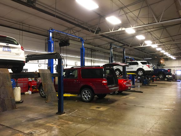 Business insurance in Perrysburg for auto body shops